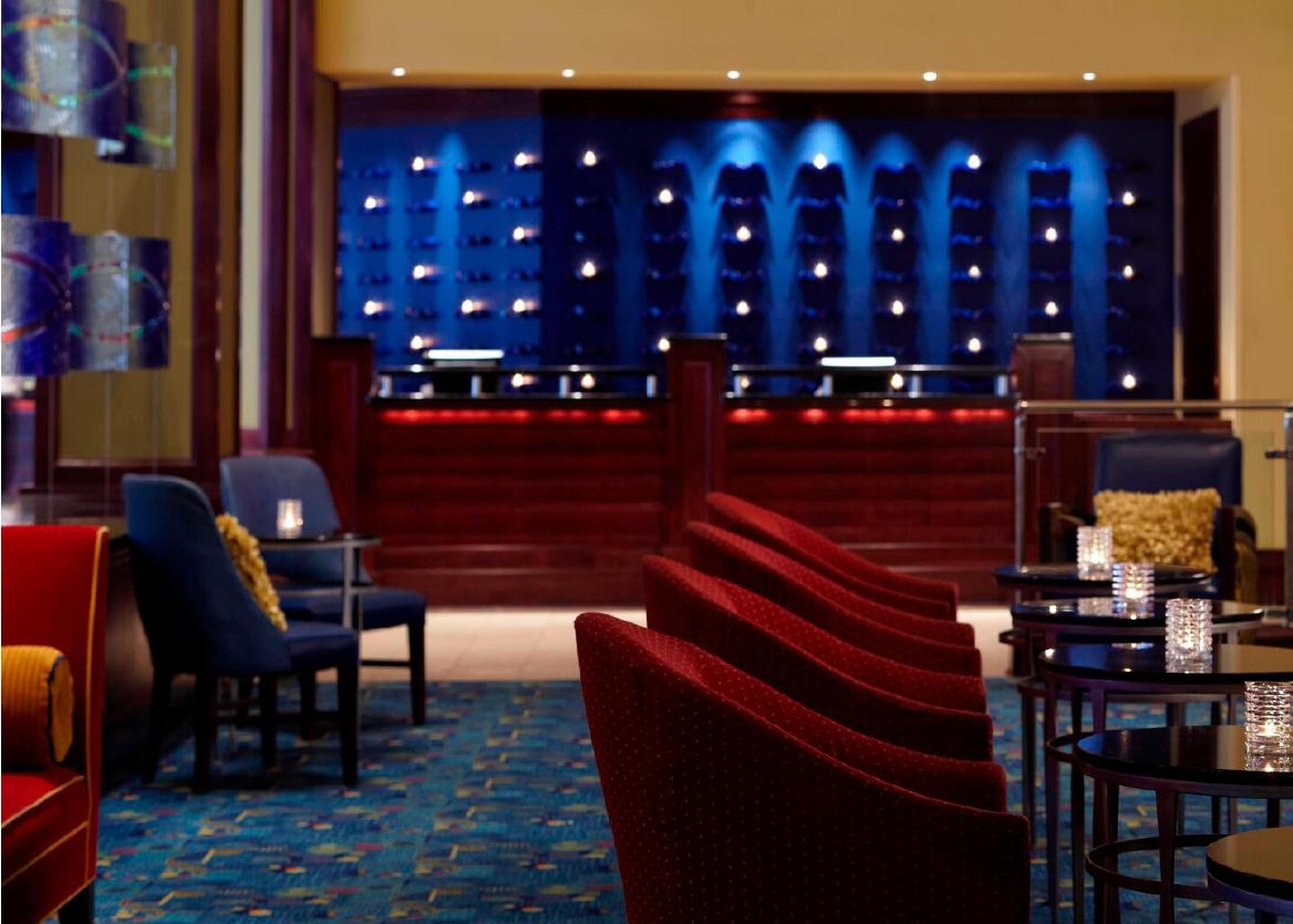 Renaissance Riverview Plaza Hotel